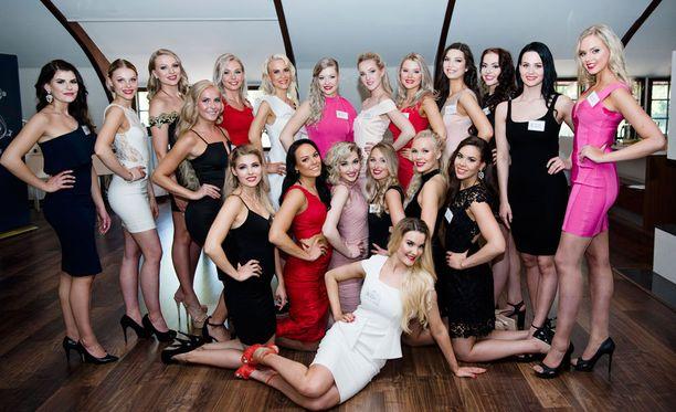 Kuvassa 20 Miss Suomi 2018 -semfinalistia.