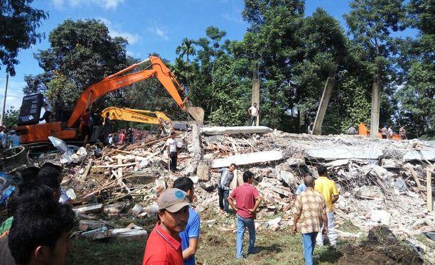 Raivaustyöt ovat alkaneet Acehin maanjäristysalueella.