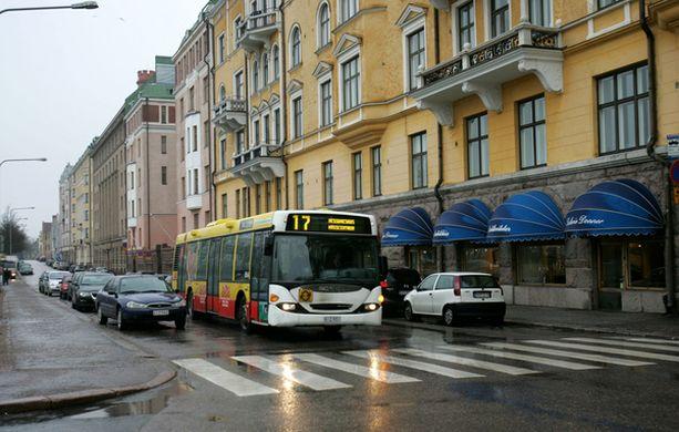 Merikadun päätepysäkin bussireitti muuttuu. Linja 17 lopetetaan ja korvaava linja 16 tulee tilalle, tosin eri reitillä.