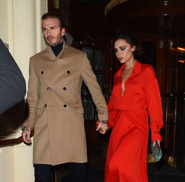 David Beckham ja Victoria Beckham eivät säästele, kun he rakennuttavat lapsilleen puumajaa.