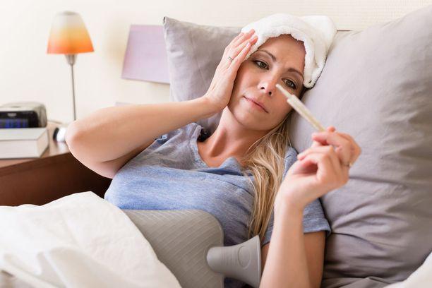 Influenssan oireita ovat korkea kuume, voimakas päänsärky ja lihassärky sekä usein kuiva, hakkaava yskä.