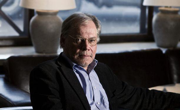 Helsingin pormestari Jan Vapaavuori kertoo Lauri Törhösen jättäneen eronpyyntönsä Kaapelitalo Oy:n hallituksen puheenjohtajan pestistä.