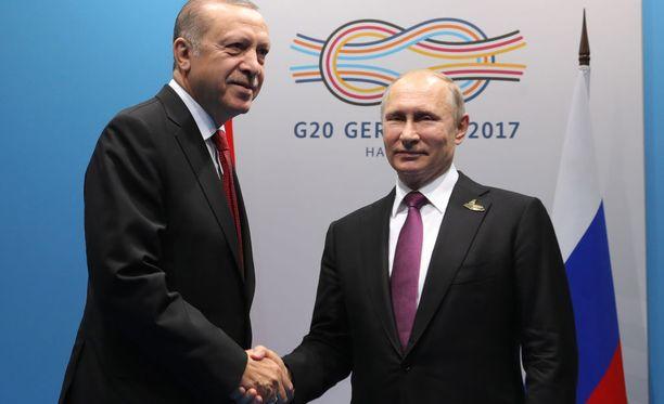 Putin ja Erdoğan hyväntuulisina G20-kokouksessa Saksassa heinäkuussa.