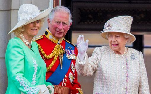 Kuninkaalliskirjailijan arvio: Korona tuhosi monarkiaa pahemmin kuin Oliver Cromwell – Elisabetin aika on ohi