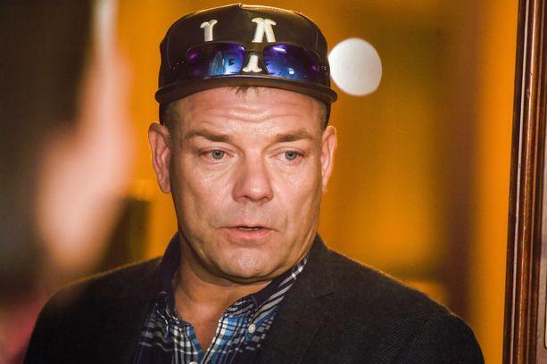 Sillanpää tuli tunnetuksi tangokuninkaana vuonna 1995.