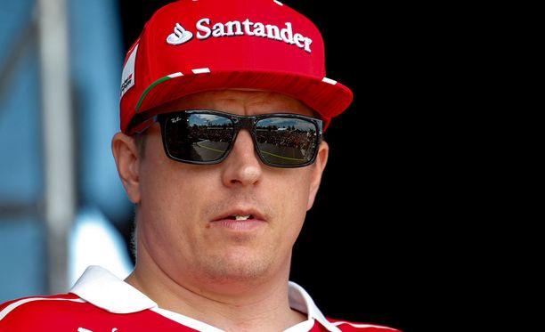 Kimi Räikkösen formulaura alkoi vuosituhannen vaihteessa Ison-Britannien Formula Renault -sarjasta.