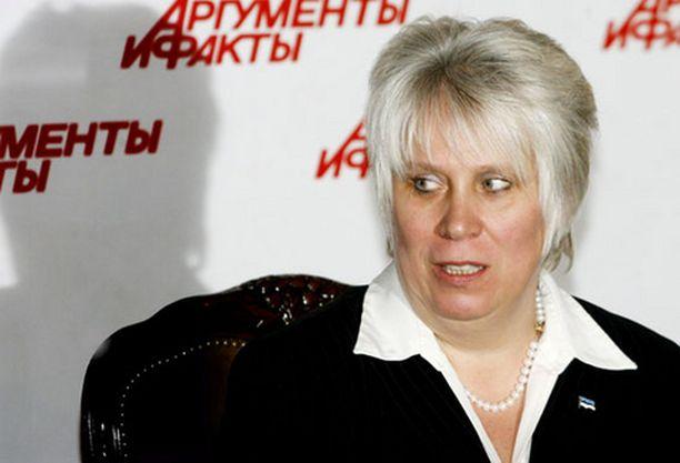 Turvamiehet onnistuivat estämään hyökkääjien pääsyn Viron Moskovan-lähettilään Marina Kaljurandin kimppuun keskiviikkona.