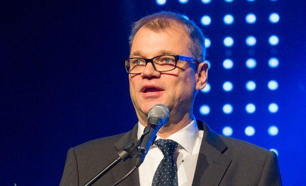 Juha Sipilä on sittenkin kielimiehiä.