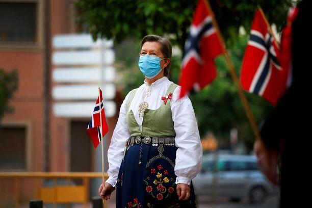 Kuva Norjan kansallispäivän juhlallisuuksista 17. toukokuuta 2020 Alicantessa Espanjassa.