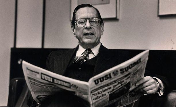 Max Jakobson oli myös kirjailijana ja analyytikkona Suomen ääni maailmalla, vaikka Neuvostoliitto yritti kaikin tavoin heikentää hänen vaikutusvaltaansa, kirjoittaa Iltalehden Tuomas Keskinen. Kuvassa Jakobson vuonna 1983.
