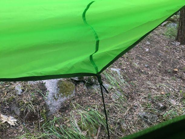 Kun Tentsile-majoitteen päällä on sadekatos, pitää se hyvin vettä.