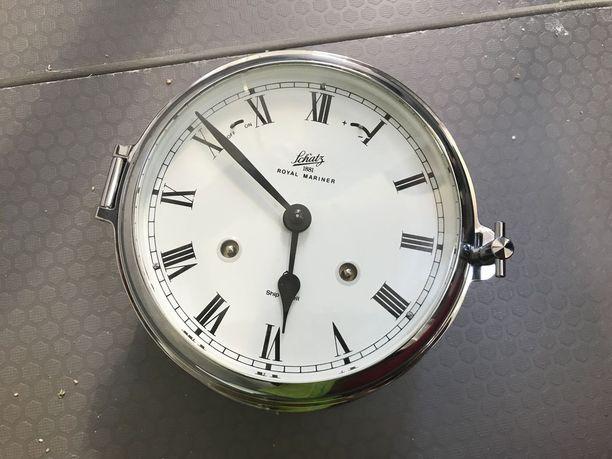 Kilpailijat saavat käyttää vain mekaanisia kelloja.