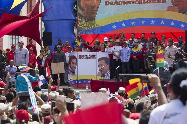 Imperialismin vastainen mielenosoitus järjestettiin vastalauseena presidentti Trumpin kommentoitua Yhdysvaltain harkitsevan sotilaallista ratkaisua Venezuelassa.