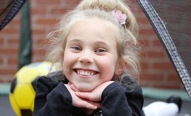 Siennan määrätietoisuus ja selväsanaisuus tekivät vaikutuksen myös paikalliseen poliisiin, joka riensi Katie-äidin avuksi ensimmäisenä.