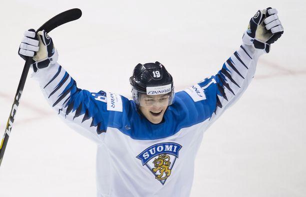 Rasmus Kupari oli mukana viime vuoden kultajoukkueessa. Expressen nostaa Ontario Reiginin hyökkääjän Suomen joukkueen suurimmaksi tähdeksi.