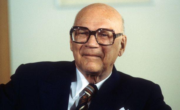 Urho Kekkonen oli nuorena kova yleisurheilija. Suomen presidenttinä hän toimi vuosina 1956–82.