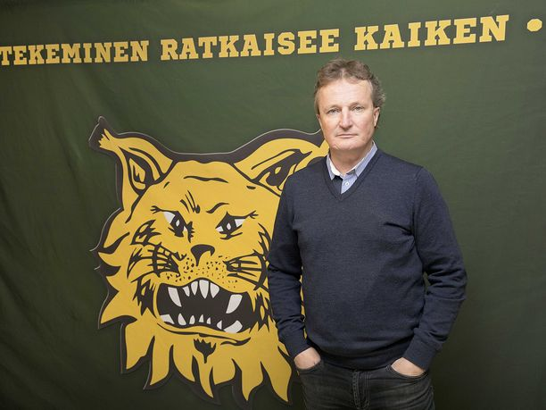 Ilves-Hockey Oy:n toimitusjohtajalla Risto Jalolla on sukanvarressa rahaa pelaajahankintoihin.