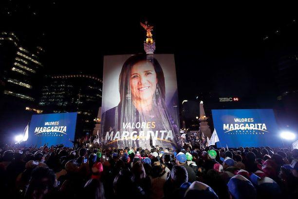 Entisen presidentin Felipe Calderónin vaimo Margarita Zavala vetäytyi presidenttikisasta toukokuussa.