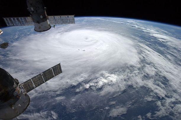 Tältä hurrikaani näyttää avaruudesta käsin.