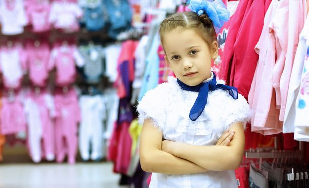 Ruotsalaisäidin avautuminen tyttöjen vaatevalikoimasta sai runsaasti kannatusta.