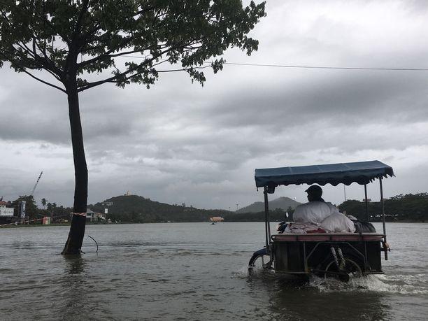 Koh Samuin saarella tulvi tällä tavalla eilen.