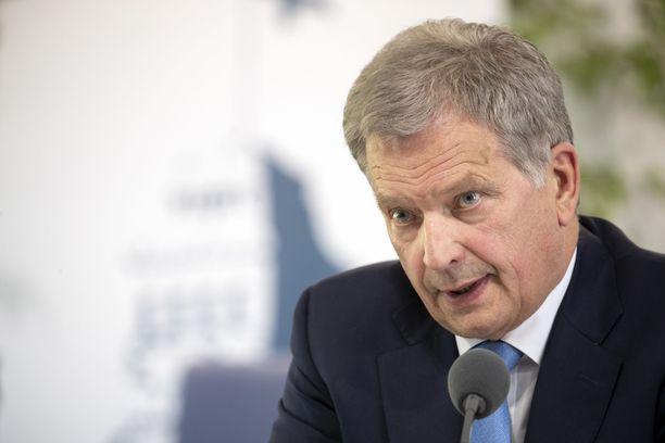 Tasavallan presidentti Sauli Niinistö valotti Al Gorelle suomalaisten innovatiivisia ratkaisuja poikkeuksellisena hellekesänä.