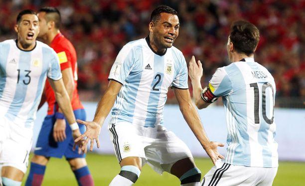 Argentiina juhli 2-1-voitto Chilestä jalkapallon MM-karsinnoissa.