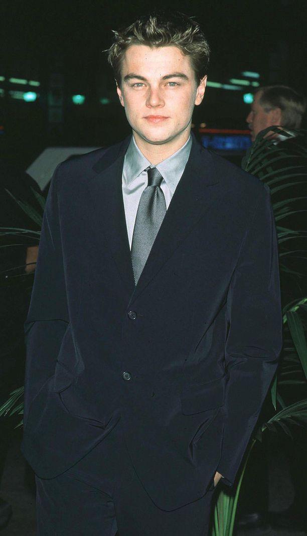 Leonardo DiCaprio Titanicin ensi-illassa 18 vuotta sitten 23-vuotiaana.