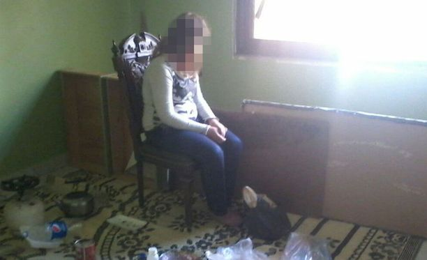 Seitsemännellä kuulla raskaana oleva 15-vuotias haluaa kotiin Ruotsiin.