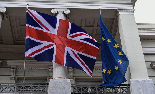 EU-johtajat vaativat Britannian pääministeri Theresa Maylta, että Britannian on annettava EU:n kansalaisille pysyvä oleskelulupa, jos nämä ovat asuneet maassa viisi vuotta.