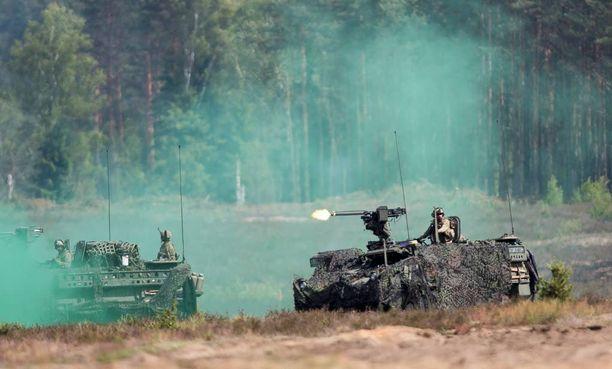 Suomi haluaa vaikuttaa aktiivisesti turvallisuuden ja vakauden vahvistamiseen, mutta varautuu myös uhkiin.