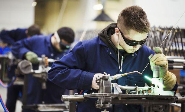 Teollisuuden työpaikat lisääntyvät edelleen.