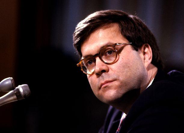 William P. Barr työskentelee tällä hetkellä lakimiehenä.