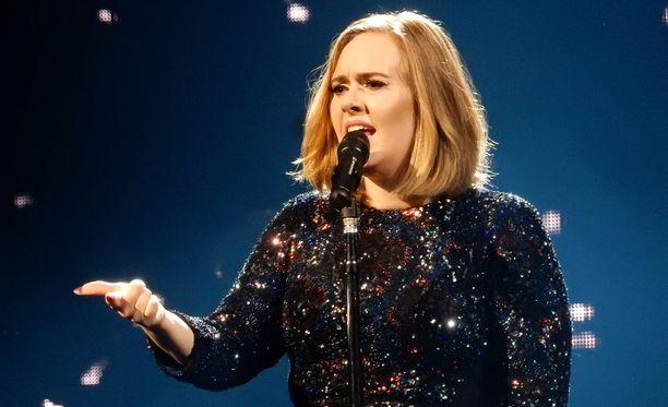Adele ei pitänyt Jamie Oliverin kommenteista.