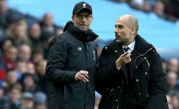 Jürgen Kloppin ja Pep Guardiolan joukkueet kohtaavat Valioliigan huippuottelussa Anfield Roadilla.