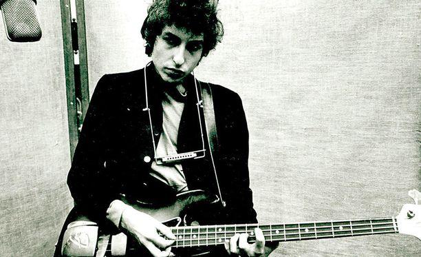 Bob Dylan on tunnettu yhdysvaltalainen folk- ja rocklaulaja.