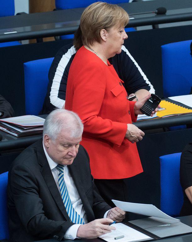 Merkelin arvovalta on murentunut.