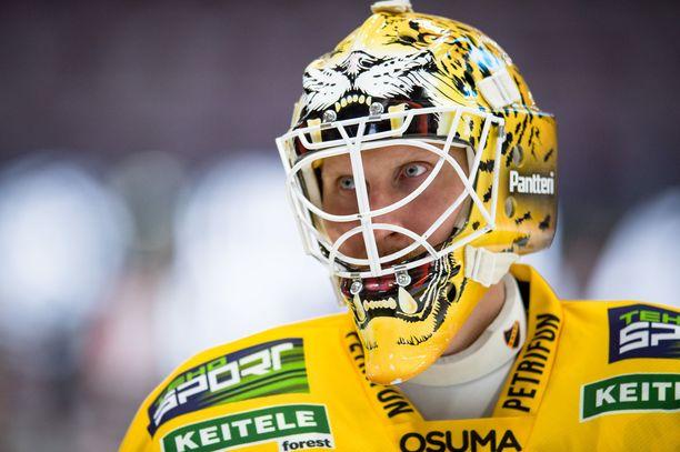Niko Hovinen on nähnyt viime vuosina maailmaa enemmän kuin moni muu jääkiekkoilija.