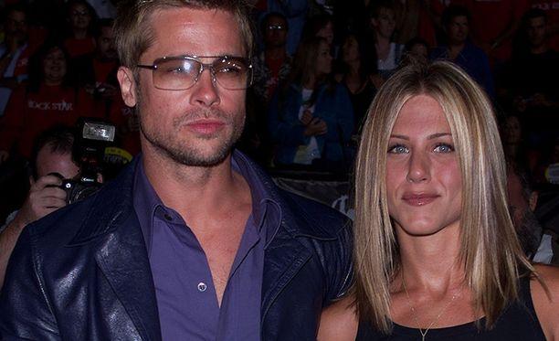 Brad Pitt ja Jennifer Aniston erosivat vuonna 2005 viiden avioliittovuoden jälkeen.