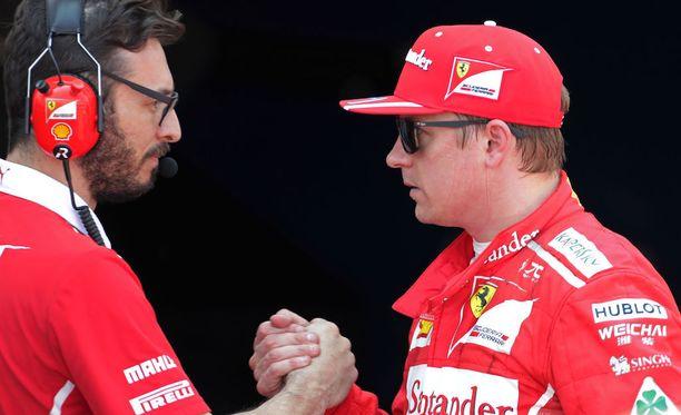 Kimi Räikkönen juhli uransa 17. paalupaikkaa varsin hillitysti.