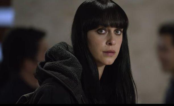 Näyttelijä Jessica Falkholt Harmony-elokuvan kuvauksissa.
