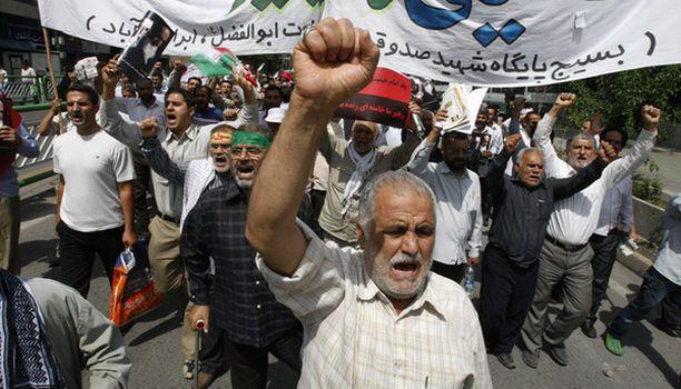 Mielenosoitukset jatkuvat Teheranissa, vaikka viranomaiset ovatkin yrittäneet suitsia protesteja.