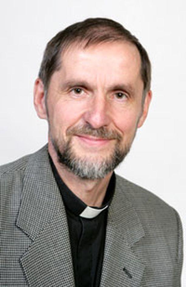 Olarin kirkkoherra Antti Kujanpää valittiin Espoon tuomiorovastiksi.