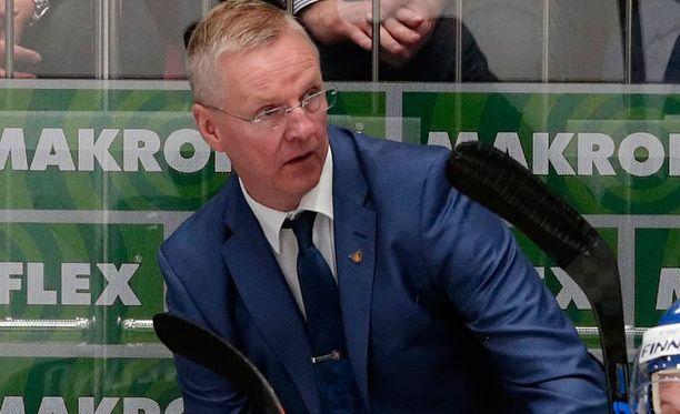 Kari Jalonen kehui Suomen maajoukkueiden loistavaa kautta.