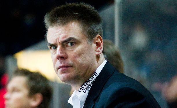 Raimo Helminen sai potkut kazakstanilaisseurastaan.