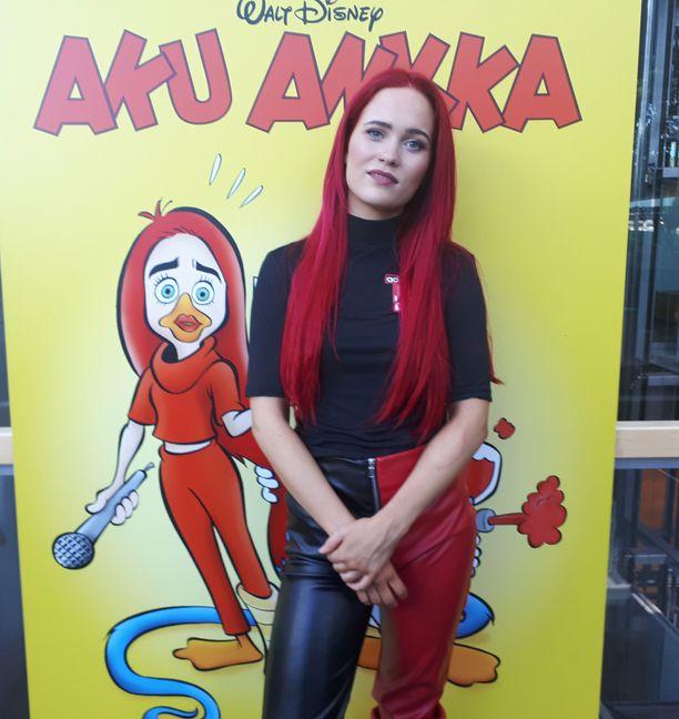 Sanni sai tarinansa Aku Ankkaan. Hänen hahmonsa nimi tarinassa Sinna Suokurki.