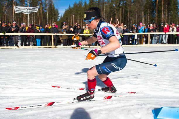 Krista Pärmäkoski hallitsi Äänekosken SM-hiihtoja.
