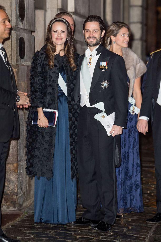 Prinsessa Sofia ja prinssi Carl Philip pysähtyivät poseeraamaan kameroille.