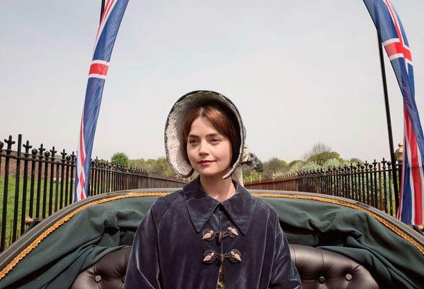Victorian alku hallitsijana ei ole helppo eikä Flora Hastingsin skandaali edesauta asiaa.