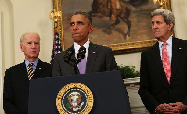Trump esitti, että Obaman hallinto oli ehkä liian pehmeä Venäjää kohtaan. Obaman rinnalla kuvassa varapresidentti Joe Biden ja ulkoministeri John Kerry.